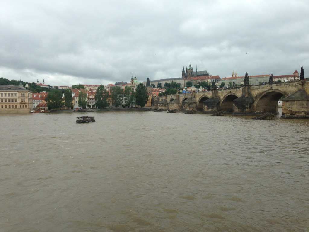 Toto je Praha. Fotku Brna nemám, sorry.