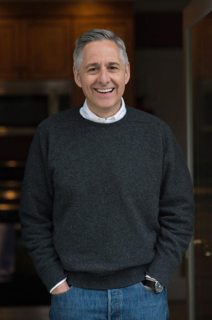 Tohle je Dan Lyons, elitní novinář, scénárista píšící pro HBO, sympaťák. Nechápu, se na něm hubspoťákům nelíbilo. Fotku jsem převzal z Hostu, ten zas z archivu autora.