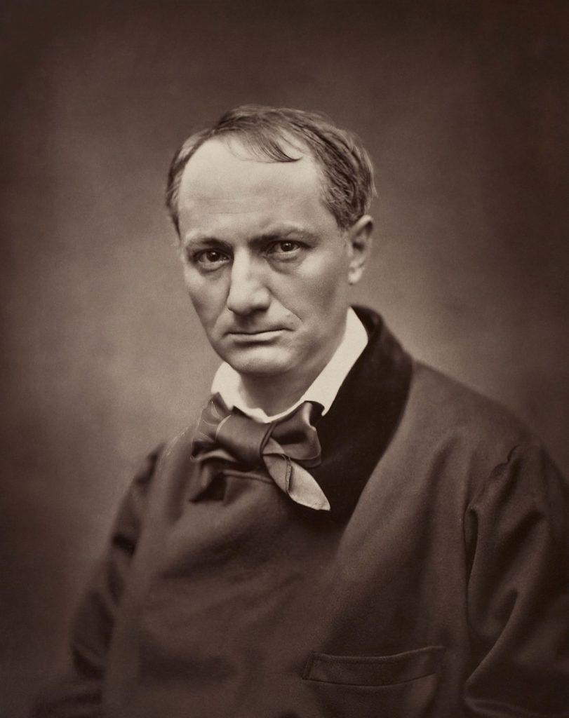 Charles Baudelaire byl člověk, který v podstatě stvořil to, čemu říkáme moderní poezie. Pro mě je to jedna z naprosto klíčových postav dějin, jejíž velikost neumenšuje ani zvláštní vztah k matce, ani drogové excesy, ba ani výraz Red Meata. Vlastně právě naopak.